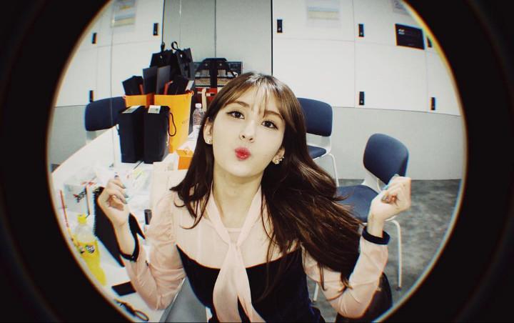 Timbul Masalah Internal, Debut Solo Jeon Somi Ditunda